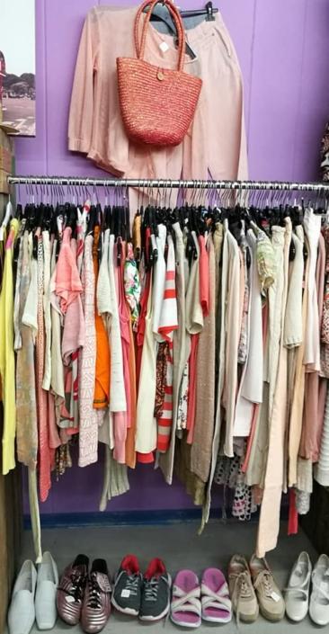 Tweedehands kleding mode kringloopwinkel Friesland