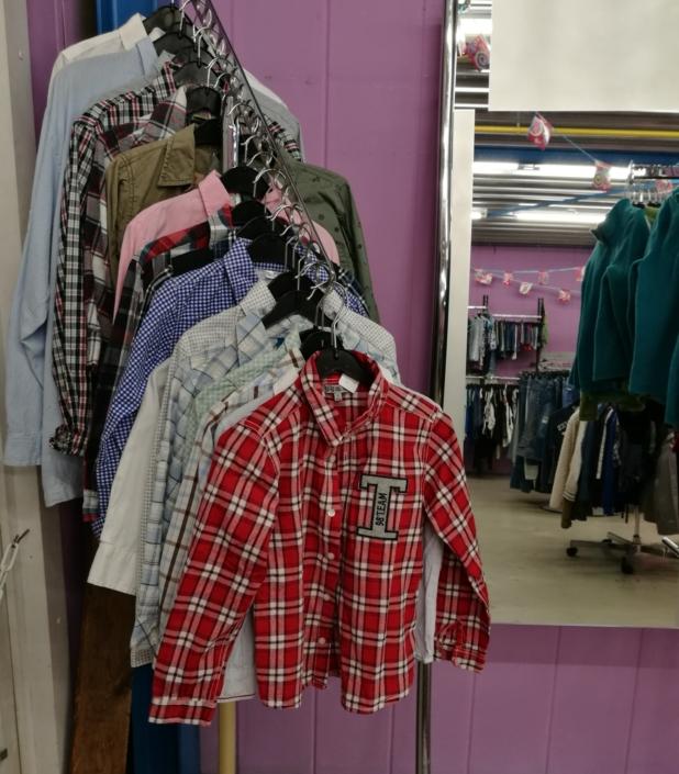 Tweedehands kindermode kringloopwinkel Friesland