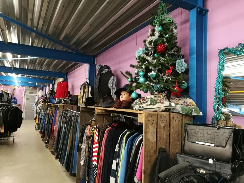 Tweedehands kleding kringloopwinkel Lemmer Friesland